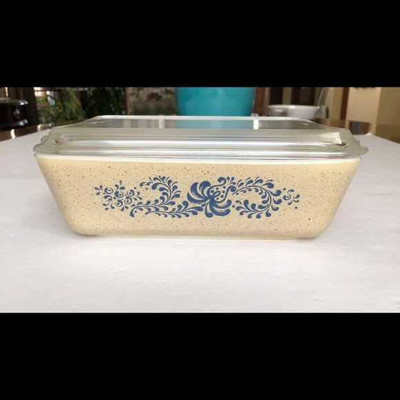 SOLD🎉RARE PYREX Homestead Refrigerator Dish, Lid